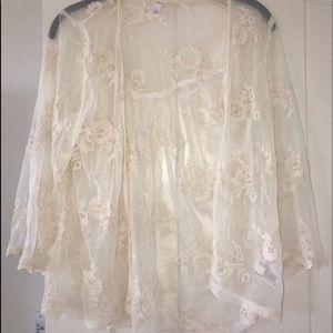 Tops - White lace kimono